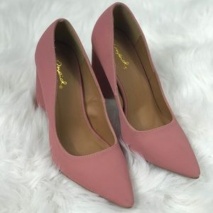 Pink pointy toe chunky heel pumps
